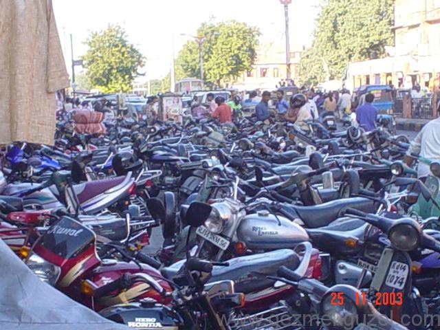 Motorsiklet Denizi, Hindistan