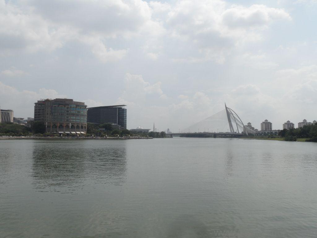 Putrajaya yapay göl, Malezya Gezisi Notları