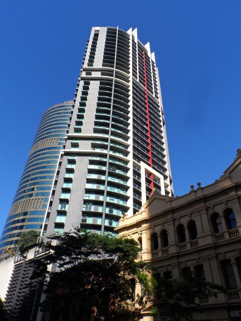 Brisbane'de yeni ile eski yan yana