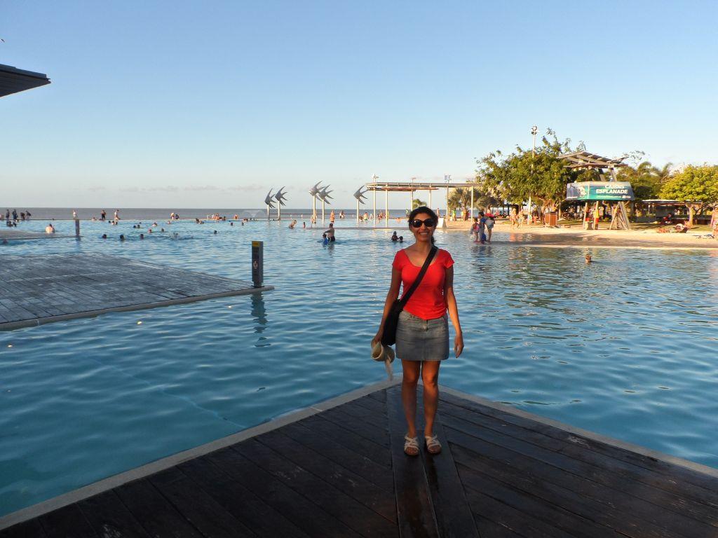 Cairns'de havuzbaşı
