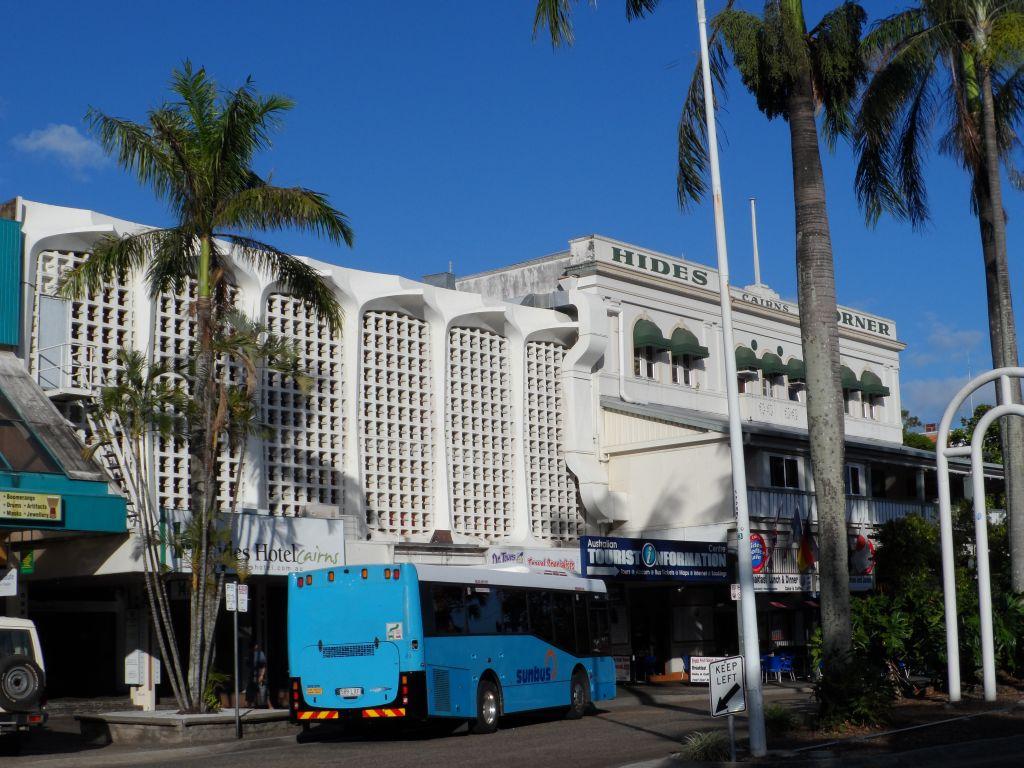 Cairns'de Hides Hotel