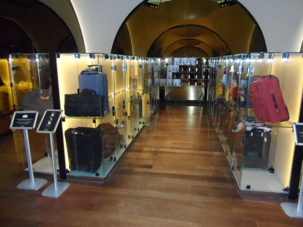 THY İstanbul dış hat CIP salonu, bavul muhafazası