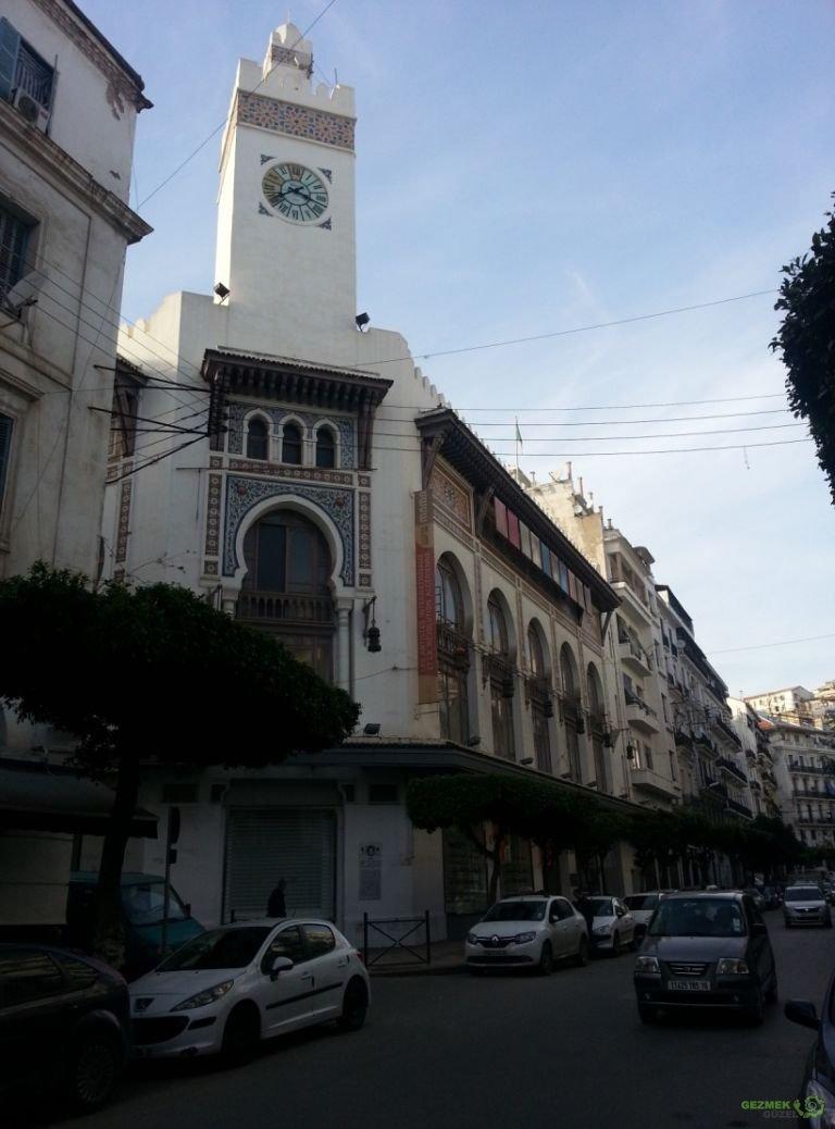 Saat Kuleli Bina, Cezayir Gezilecek Yerler