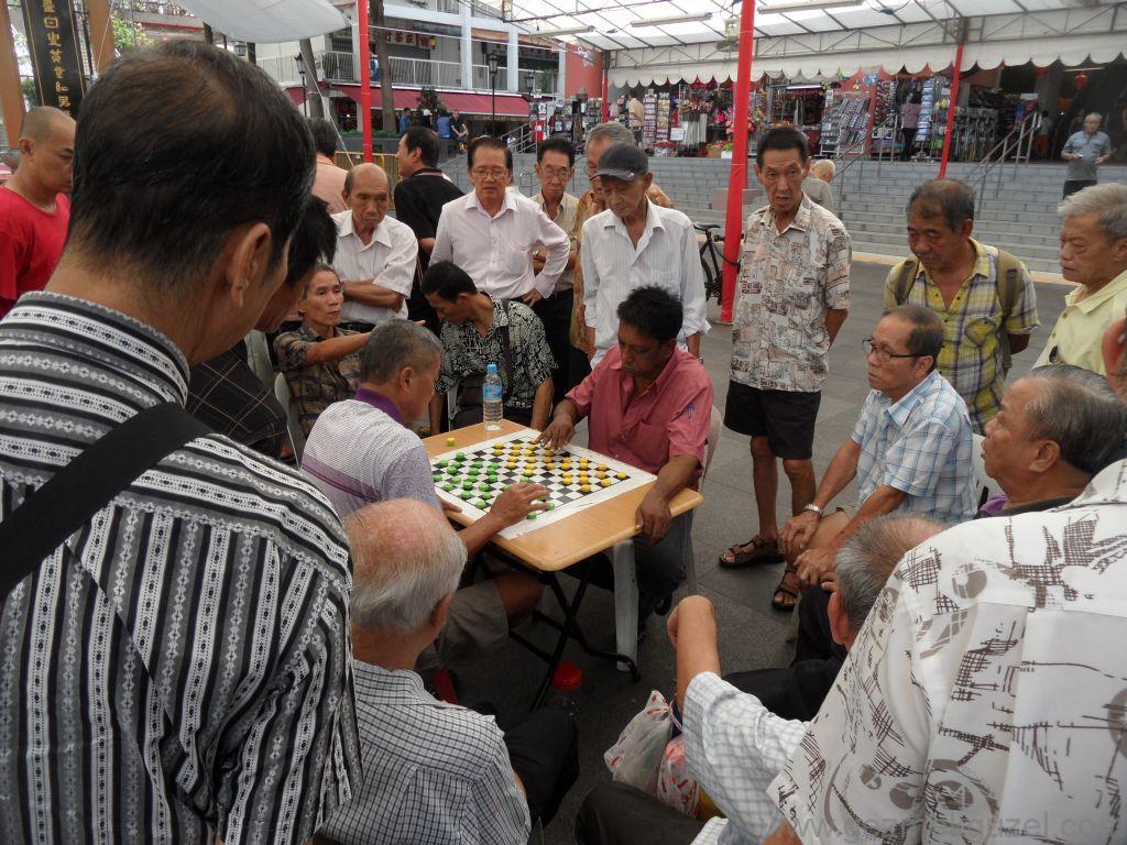 Singapur Gezilecek Yerler, Çin Mahallesinde Oyun