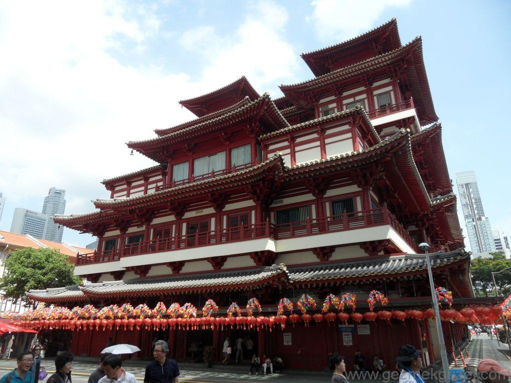 Singapur Gezilecek Yerler, Çin Mahallesinde Tapınak