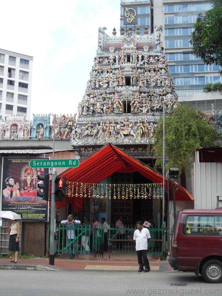 Singapur Gezilecek Yerler, Hint Mahallesinde Tapınak