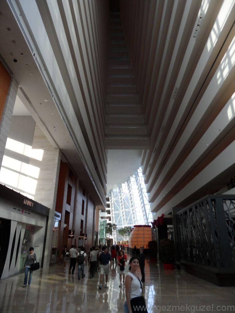 Singapur Gezilecek Yerler, Marina Bay Sands İçi