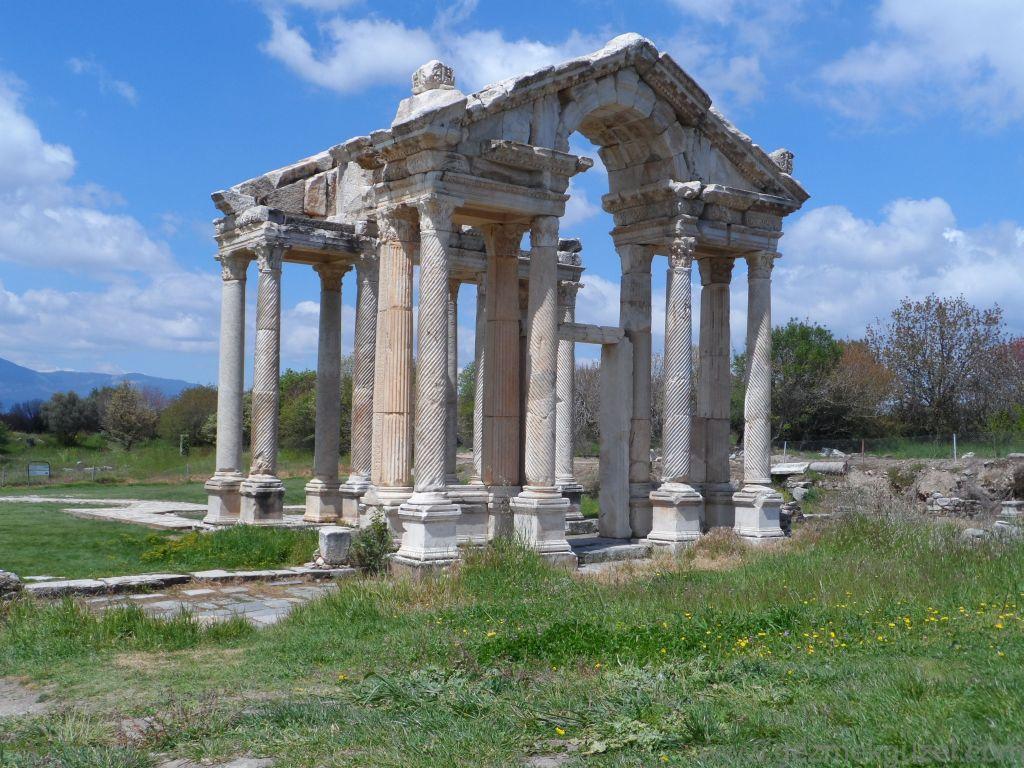 Tetrapylon, Afrodisyas Antik Kenti