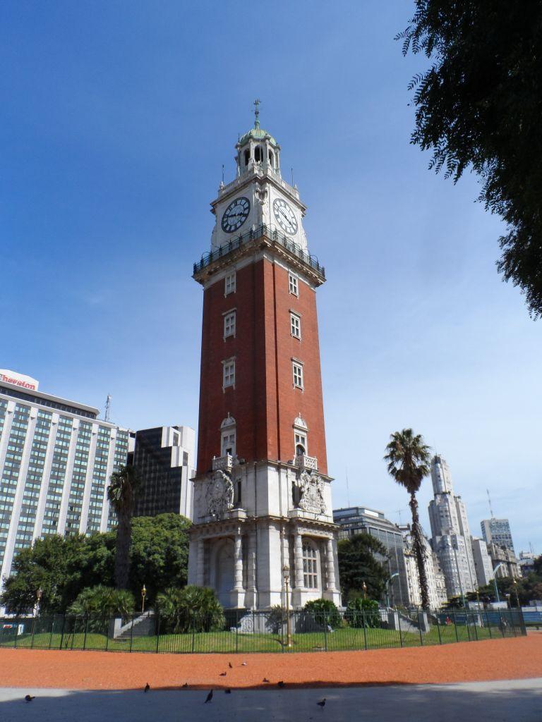 Torre de Los Inglese saat kulesi