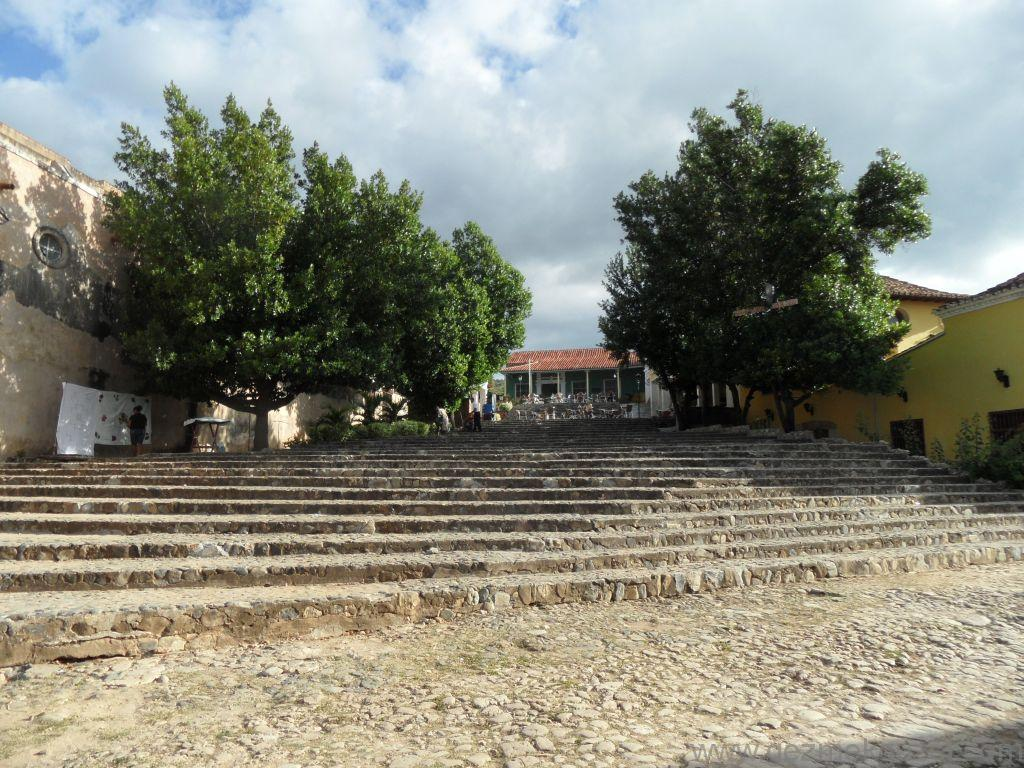 Trinidad Yapılacak Şeyler, Casa de la Musica merdivenleri