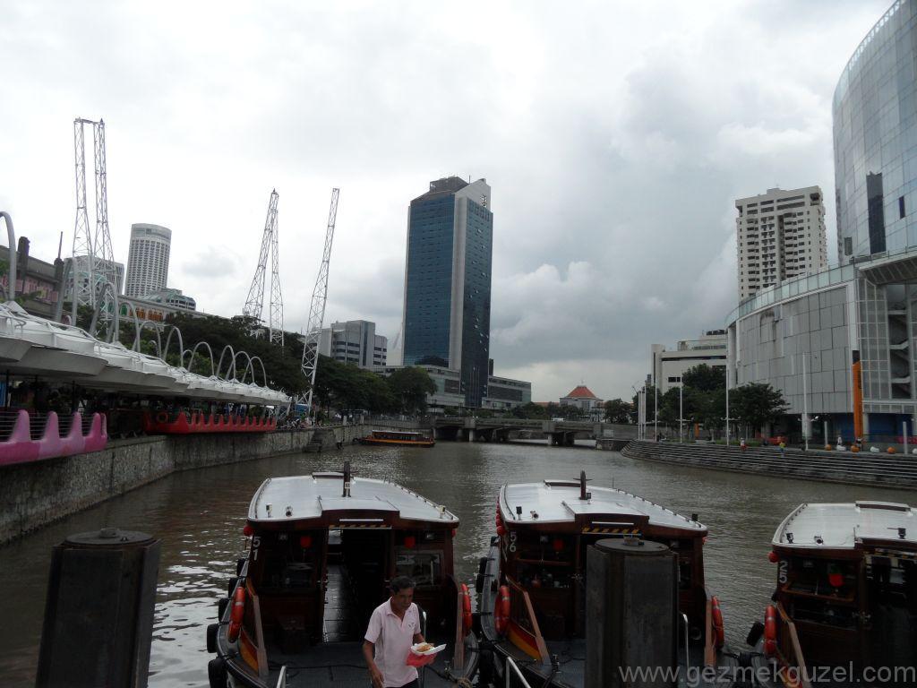 Yeniden Uzakdoğu, Singapur Gezilecek Yerler, Singapur Tur Tekneleri