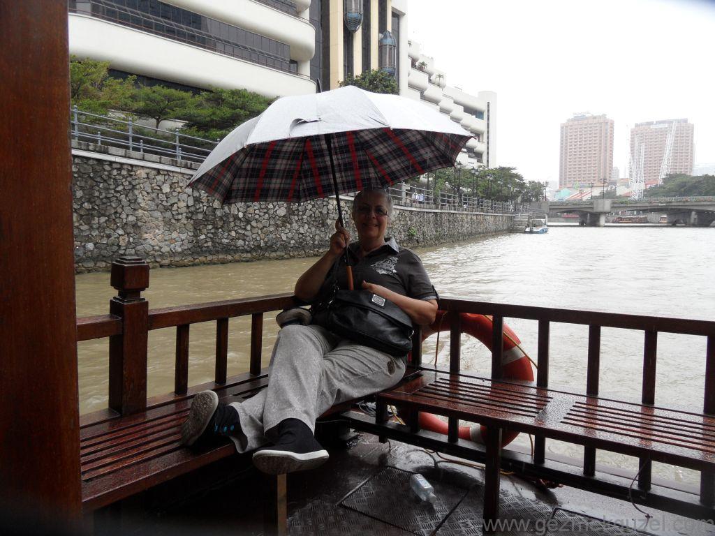Yeniden Uzakdoğu, Singapur Gezilecek Yerler, Singapur'da Tur Teknesinde 2