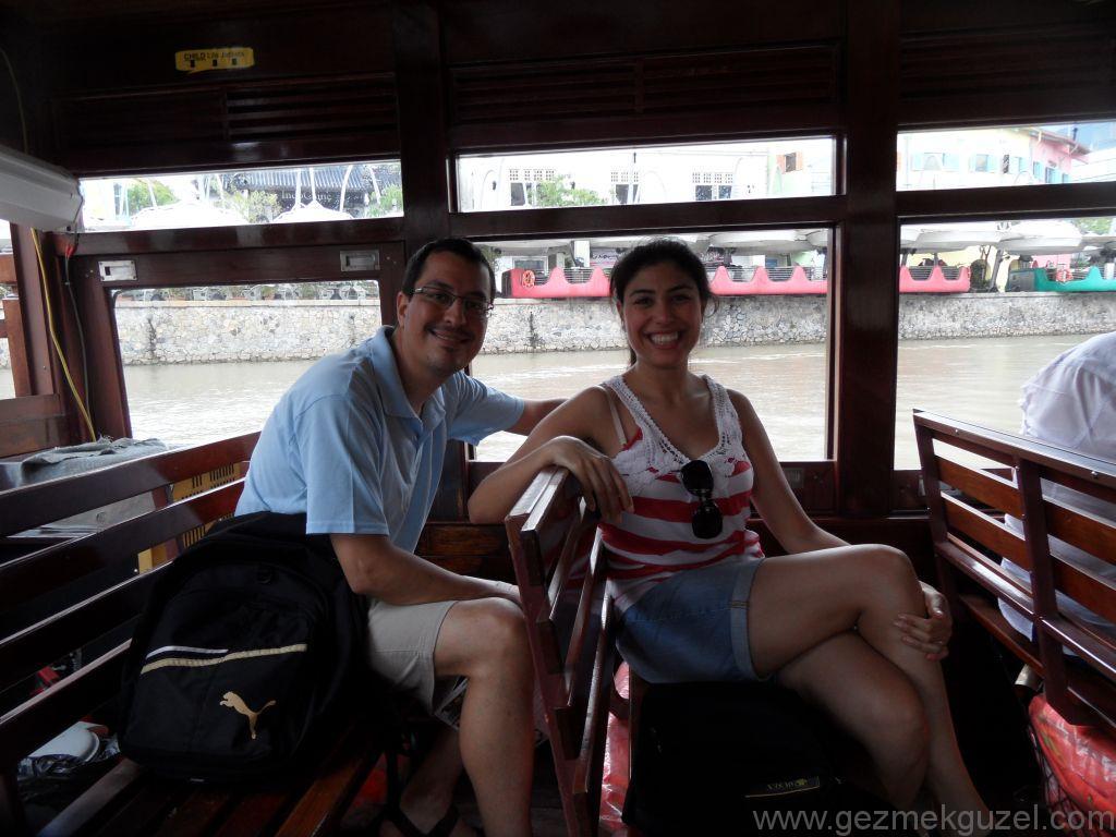 Yeniden Uzakdoğu, Singapur Gezilecek Yerler, Singapur'da Tur Teknesinde