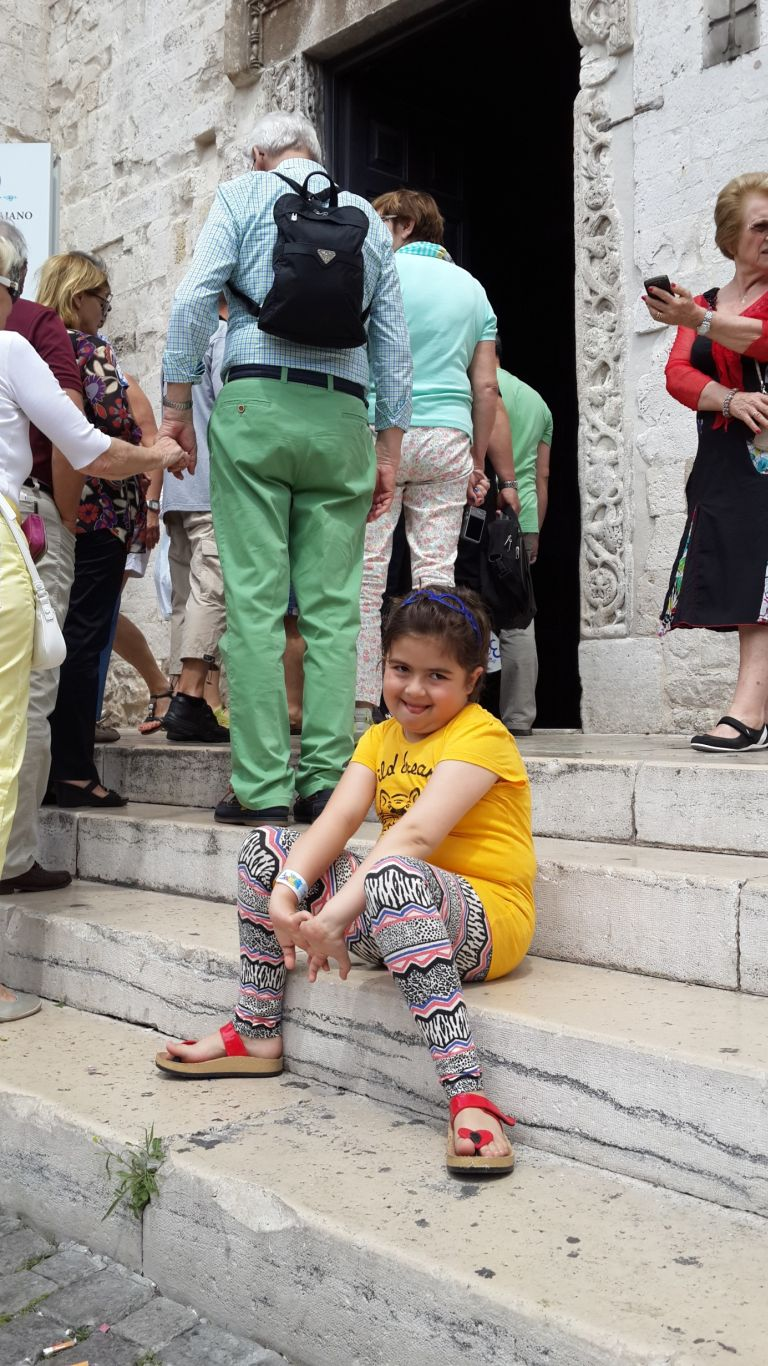 Bari'de kiliseleri gezerken