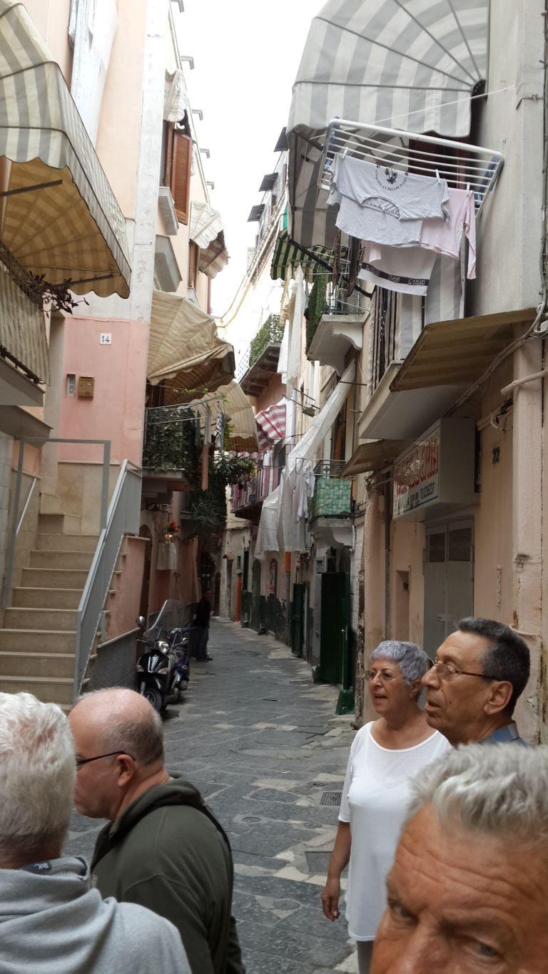Bari sokaklarında