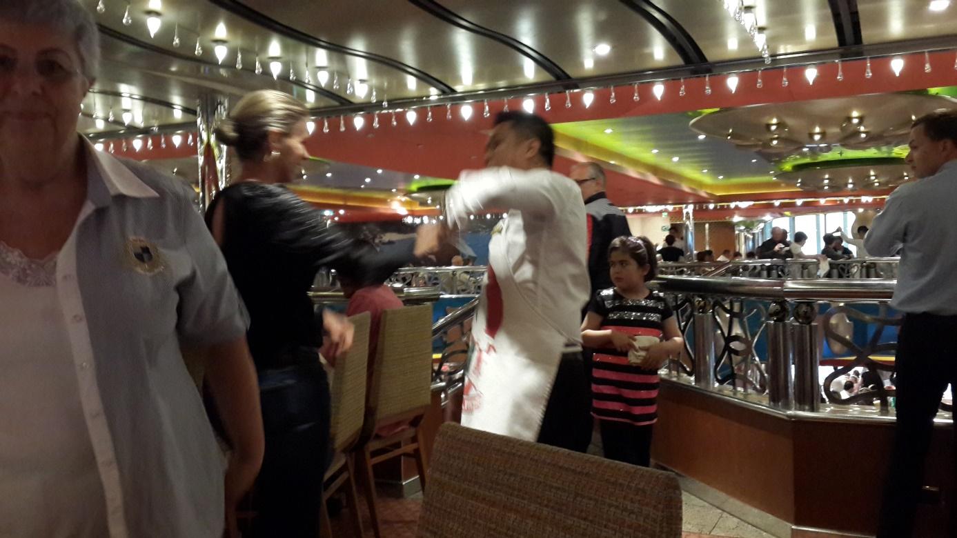 Cruise'da dans başlar